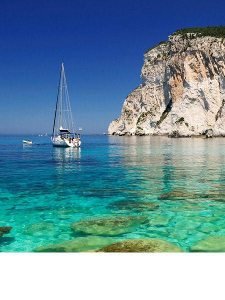 Paxos Cruise with sailing boat